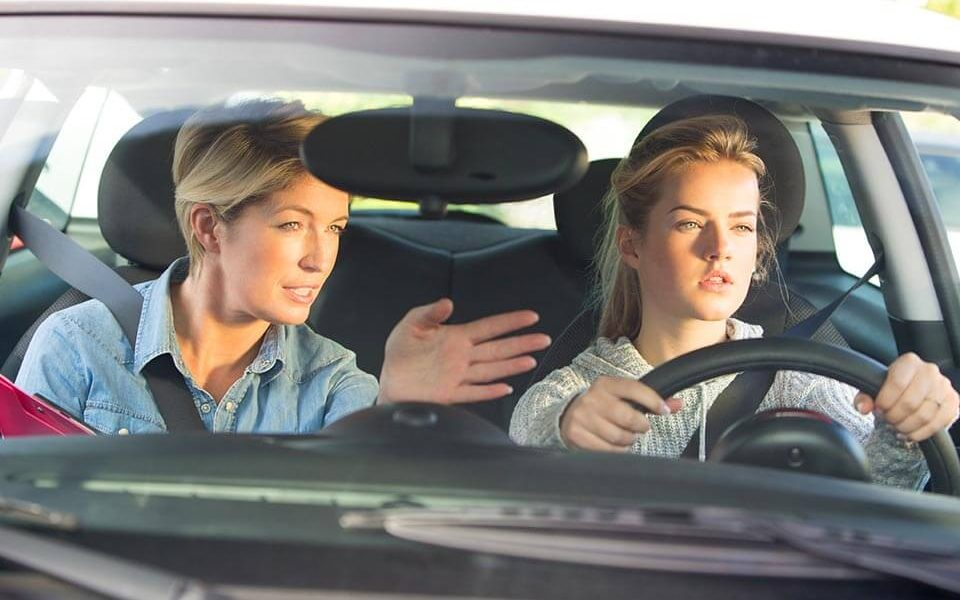 tips-to-choose-a-driving-school